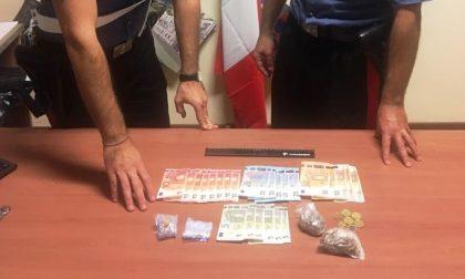 Cinque stranieri occupano abusivamente un appartamento: un 28enne trovato con dosi di marijuana