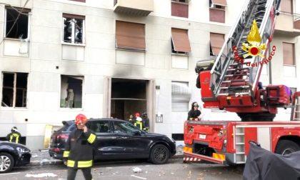 Violenta esplosione, oltre 50 persone coinvolte: un uomo in condizioni disperate FOTO
