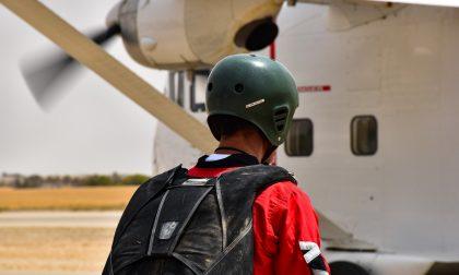 Tragedia nei cieli della Lombardia, precipita aereo: morti il pilota e un paracadutista