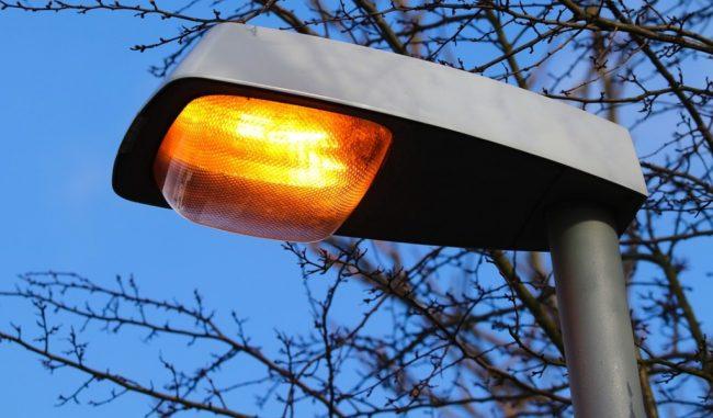 Avviati i lavori per il nuovo impianto di illuminazione: in arrivo 14 nuovi pali della luce