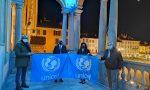 Palazzo Broletto si illumina di blu per la Giornata internazionale per i diritti dell'infanzia e dell'adolescenza FOTO