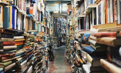 Biblioteca e Croce Rossa portano i libri a casa tua: un nuovo servizio per le persone fragili