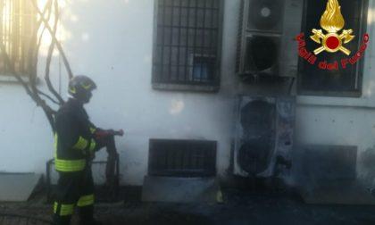 Fiamme in un appartamento a Lodi, i Vigili del fuoco domano l'incendio