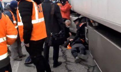 Sindacalisti investiti durante un sit-in davanti alla Stef di Tavazzano