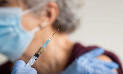 """""""Scusaci per il ritardo"""": sms di Regione a chi attende invano il vaccino"""