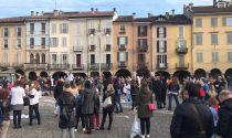 Le foto della manifestazione No Dad a Lodi che ha riempito Piazza della Vittoria