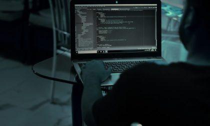 Hackeravano e-mail aziendali: riciclaggio di 600mila euro, perquisizioni a Lodi