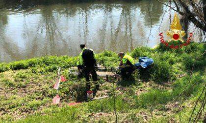 Trovato il cadavere di un uomo nelle acque dell'Adda