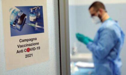 Prenotazione vaccini anti Covid, ecco come funzionerà il portale di Poste Italiane