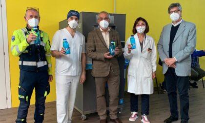 200 borracce ai centri vaccinali lodigiani per ridurre la plastica usa e getta