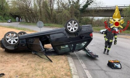 Incidente a Sant'Angelo: auto si ribalta sulla sede stradale, due feriti