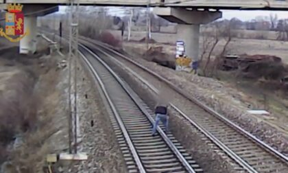 Gestivano lo spaccio nelle stazioni di Rogoredo e San Donato: 12 persone in manette