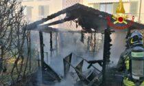 Incendio a Villanova al Sillario, baracca distrutta dalle fiamme
