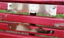 Vandalizzata la panchina rossa del Parco delle Molazze, non è sopravvissuta neppure 6 mesi