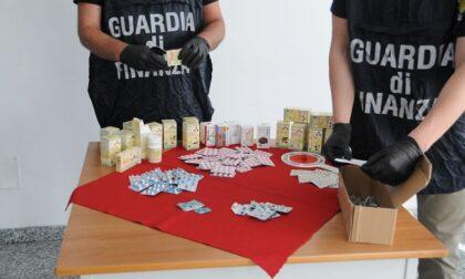 """Traffico illegale di farmaci, sequestrati migliaia di """"pillole anti-Covid"""""""