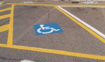 In 6 mesi 132 multe della Polizia di Codogno per auto parcheggiate nei posti per invalidi