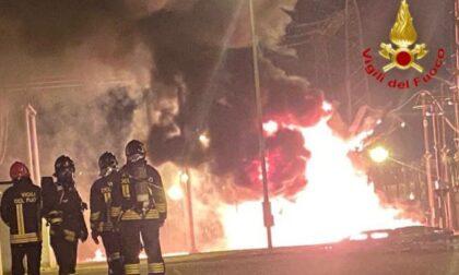 Maxi incendio nella centrale termoelettrica di Tavazzano e Montanaso