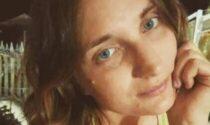 Investita mentre attraversa sulle strisce, maestra 28enne muore sotto gli occhi del fidanzato