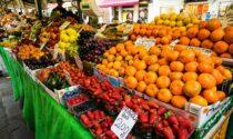 """Due lavoratori """"in nero"""" al mercato di Lodi: maxi multa a commerciante"""