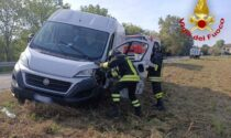 Schianto tra furgone e mezzo pesante, un uomo in ospedale