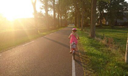 11enne esce da scuola e viene investita mentre è in bicicletta